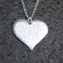 Textured heart pendant necklace P71